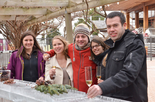 Enjoying the Niagara Icewine Festival, photo CNW Group/Wine Country Ontario