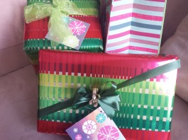 Papyrus Holiday Gift Wrap