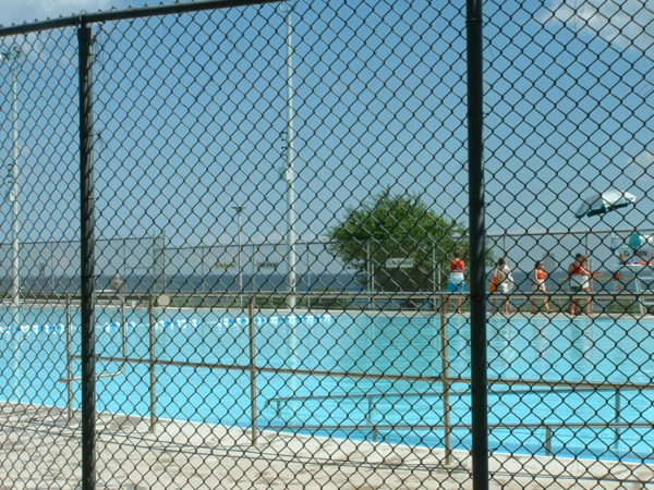 Sunnyside Outdoor Swimming Pool