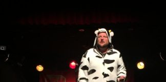 Mark Forward dressed as a cow at JFL42 in Toronto