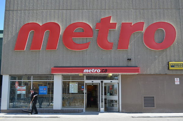 Metro grocery store is open Remembrance Day in Toronto, By Raysonho @ Open Grid Scheduler / Grid Engine - Own work, CC0, https://commons.wikimedia.org/w/index.php?curid=31921878