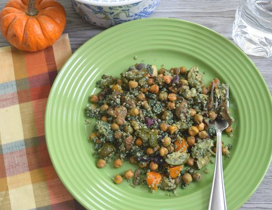 Roasted vegetables, chickpeas and pesto quinoa with Spirulina Powder