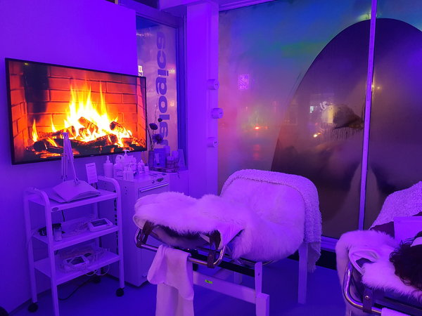 Guests received facials from Dermalogica aestheticians at Dermalogica Chalet.