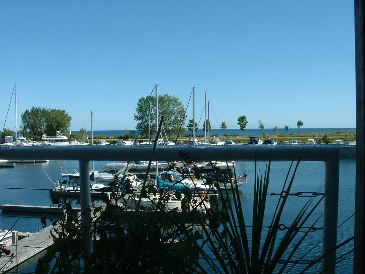 Bluffers Restaurant overlooking Lake Ontario
