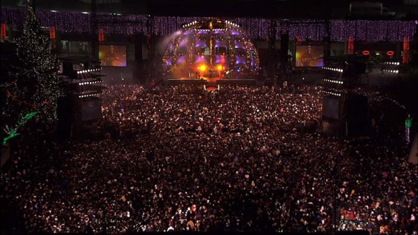 Things to do New Year's Eve Toronto include NYE at Nathan Phillips Square NYE