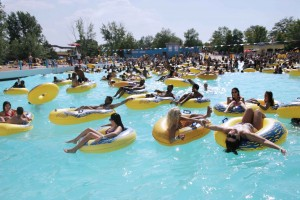 Wave Pool, Wild Water Kingdom