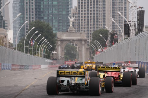 Racing near the Princes' Gate at the Honda Indy Toronto, photo John Steadman