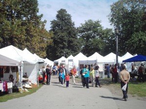 Queen West Art Crawl at Trinity Bellwoods Park