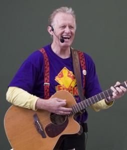 Children's entertainer Erick Traplin, photo by Joe Martz