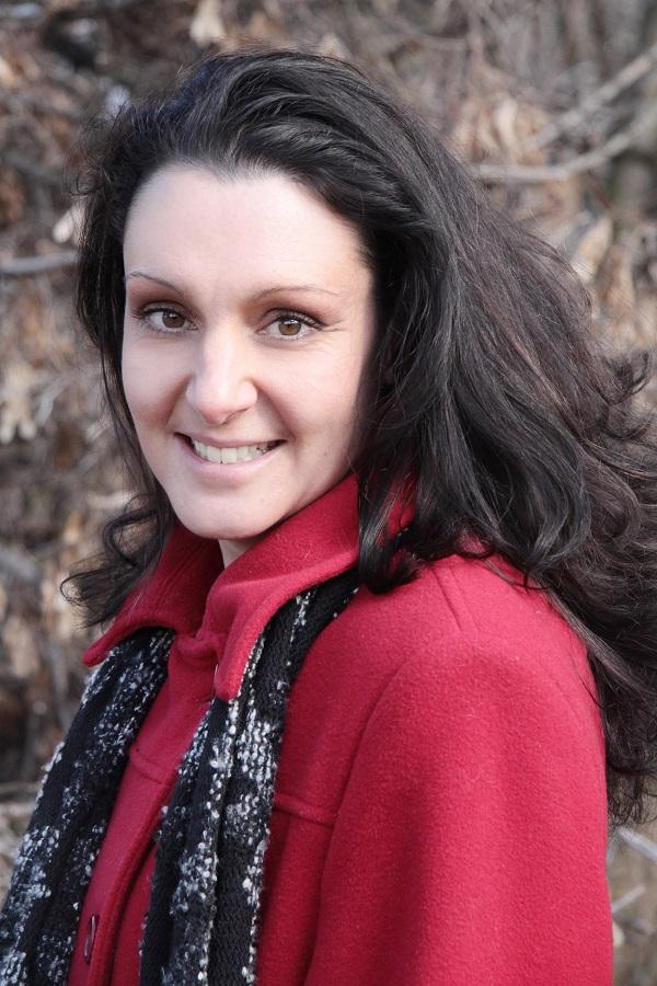 Children's author Lisa Dalrymple, photo credit Nadine Graham