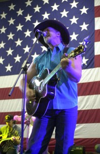 Country singer Trace Adkins, photo Stephen Neel, U.S. Navy