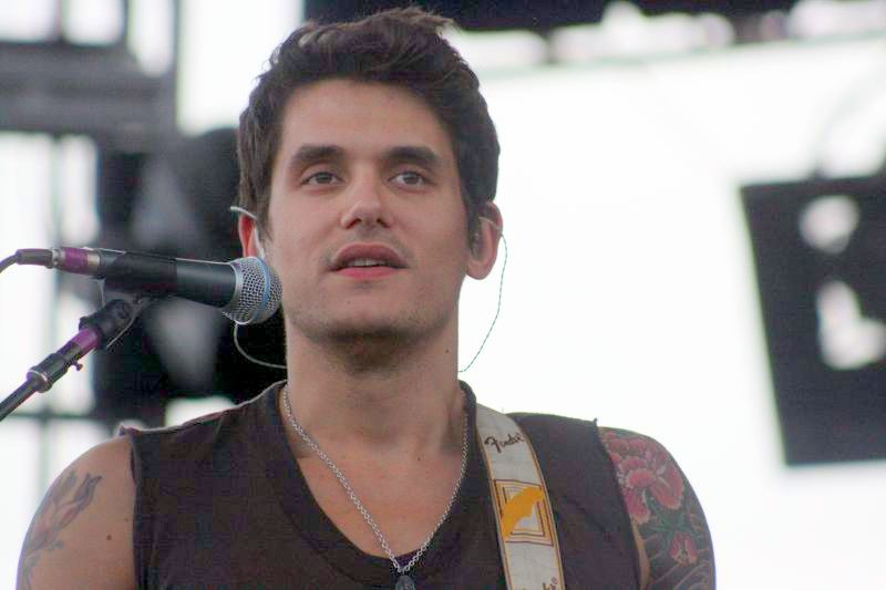Folk singer John Mayer, photo by Julio Enriquez