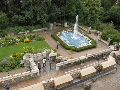 Gardens at Casa Loma in Toronto, photo elPadawan