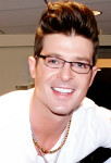Singer Robin Thicke, photo cbgrfx123