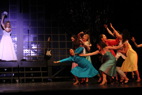 Cast of The Wedding Singer at Hart House Theatre, photo Daniel DiMarco