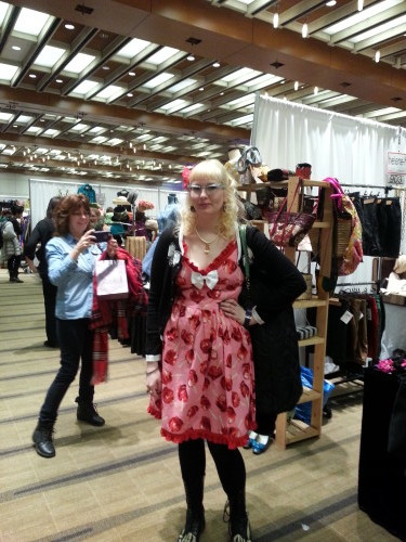 Visitors at the Toronto Vintage Clothing Show, photo Sharilene Rowland