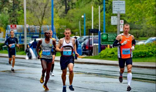 Goodlife Fitness Toronto Marathon, photo Dan Perl