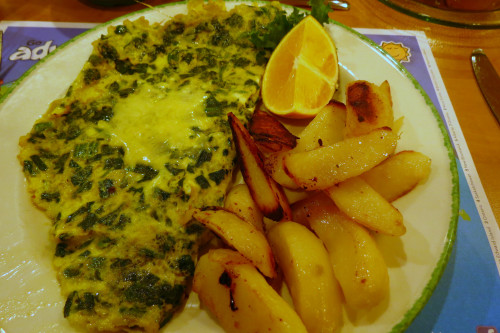 Spinach Cheddar Omelette at Cora's Restaurant