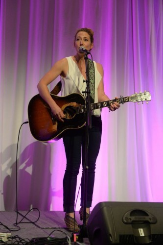 Canadian singer Kathleen Edwards, photo Tom Sandler