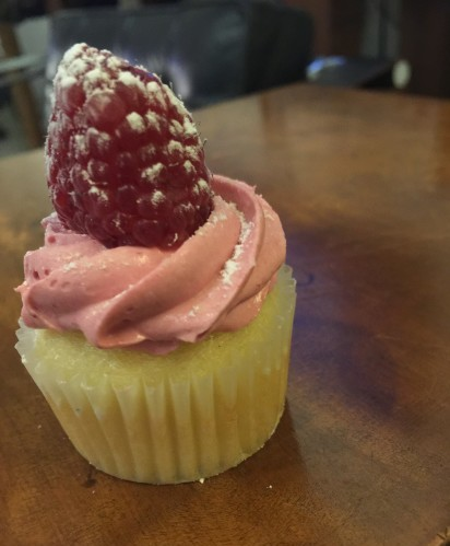 Berry cupcake with raspberry from Petite and Sweet