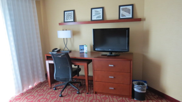 Desk in room at Courtyard Marriott Niagara Falls