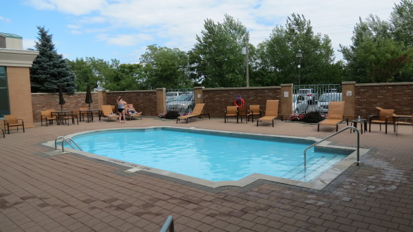 Outdoor heated swimming pool at Courtyard Marriott Niagara Falls