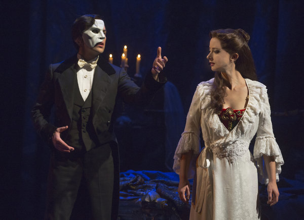 Chris Mann and Katie Travis in Phantom of the Opera, photo Matthew Murphy