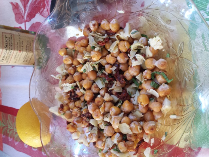 Artichoke, Chickpea and Sundried Tomato Salad