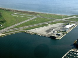 Billy Bishop Toronto City Airport CC BY-SA 3.0, https://commons.wikimedia.org/w/index.php?curid=29737