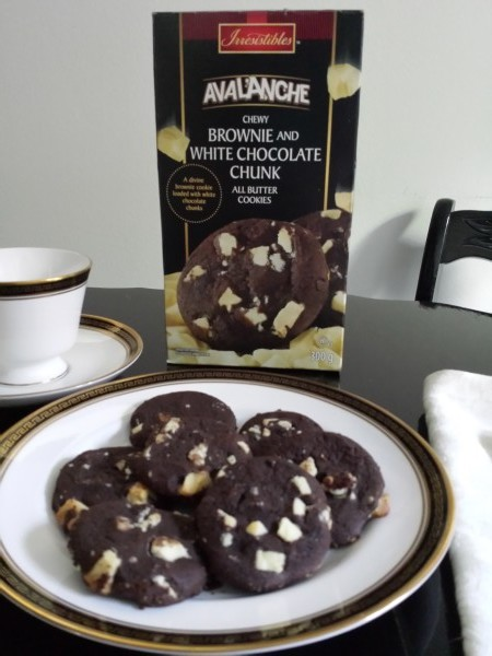 Irresistibles Avalanche Chewy Brownie and White Chocolate Chunk All Butter Cookies