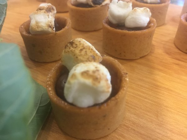 Graham Cracker Cups with chocolate and toasted marshmallows from P&L Catering at Toronto Catering Showcase