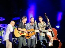 Barenaked Ladies at Jones Beach, photo credit Reverend Mick man34 at English Wikipedia, CC BY-SA 3.0, https://commons.wikimedia.org/w/index.php?curid=32925946