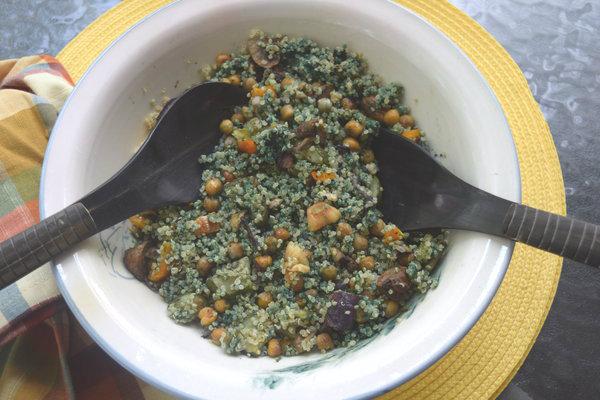 Roasted vegetables, chickpeas, pesto quinoa and Spirulina powder