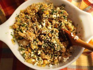 Combine spinach, chickpeas, feta, quinoa, mushrooms and onion.