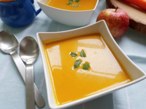 Curried Carrot Soup with Apple