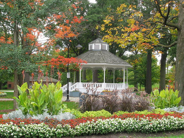 Gage Park in Brampton, photo by Keith Roy Miller - Own work, Public Domain, https://commons.wikimedia.org/w/index.php?curid=12607422
