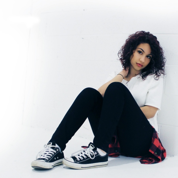 Alessia Cara press photo 2015, By Umusic - Umusic. This image was provided from Umusic. I received permission through email and also sent them a copy of a Creative Commons permission statement with instructions on where to send it., CC BY-SA 4.0, https://commons.wikimedia.org/w/index.php?curid=40892453