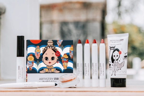 Artistry Studio Bangkok Edition 2-in-1 Matte Lip Crayons are stocking stuffer ideas for her that she will love.