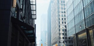 Tech can make Toronto's streets safer by improving driving behaviour , jeff-martin-QdzeJoCjXco-unsplash