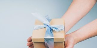 Best holiday gift ideas for your grandparents