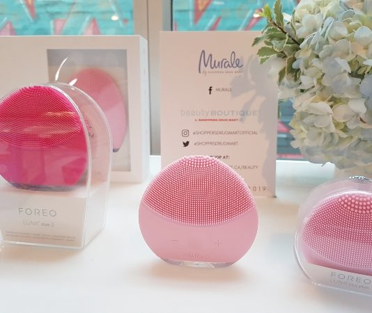 Foreo Luna Play Plus is one of the most popular beauty gifts for her for Christmas.
