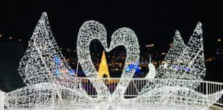 Swan sculpture at Aurora Winter Festival 2019