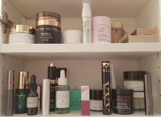 Want to know when you should throw out old makeup. Read further to find out.
