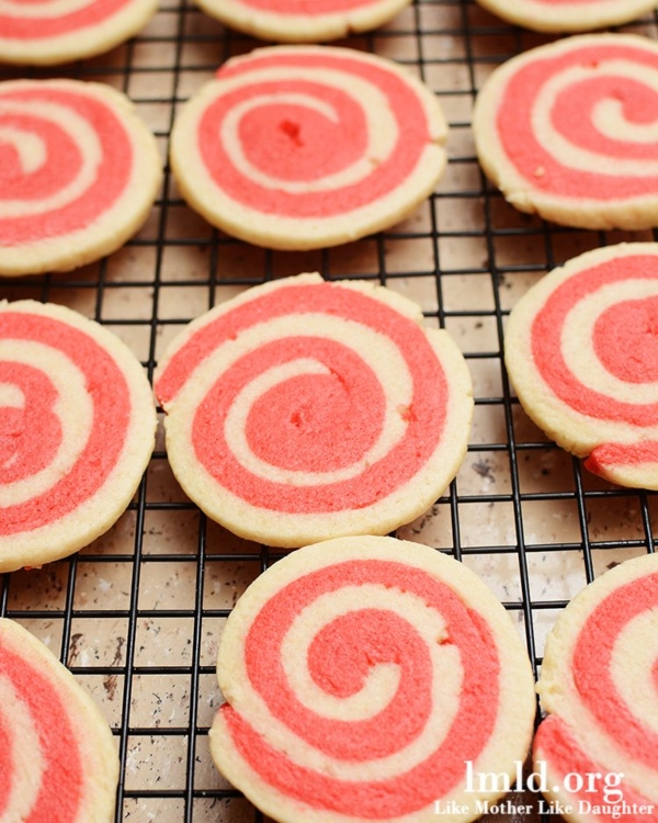 Valentine's Pinwheel Cookies from lmld.org