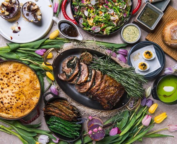 If you're wondering where to order Easter dinner in Toronto 2021, LOUIX LOUIS at The St. Regis Toronto is offering an Easter box for takeout.